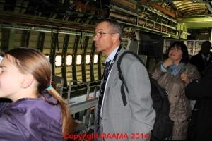 Michel Schneider en visite dans le Boeing 747 lors du meeting des 100 ans du Bourget en juillet 2014