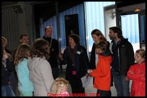 Notre guide Marie-Françoise dans le hall Concorde.