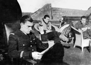 2014 de G à D Mouchotte, Blitz et Darbins en 1942