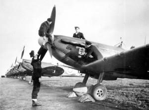 Les mécaniciens de l'Ile de France à Ayr en 1942 (SHD Air)