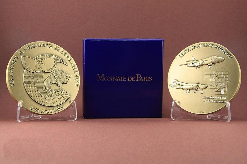 Médaille commémorative des Anciens du II/92 Aquitaine (Vautour et Invader).