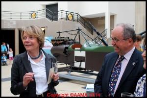 Notre Président François Chouleur remerciant Catherine Maunoury d'avoir cité la contribution de l'AAMA à cette exposition.