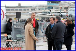 Catherine Maunoury et Gérard Vitry en pleine discussion