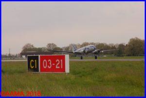 Le DC3 au décollage, vu par Alain Rolland depuis son Emeraude