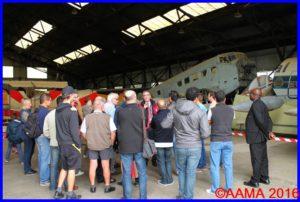 La visite du hangar HM1