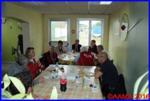 Catherine Maunoury et Christian Tilatti avec nos guides, nos bénévoles et le personnel des ateliers