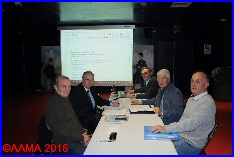 De gauche à droite, Roger Robert , trésorier, François Chouleur président, Alain Rolland secrétaire général, Jean-Pierre Lopez, vice président et Pierre Gain trésorier adjoint