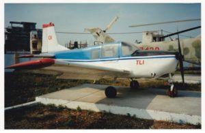 """TL-1 """"Tu luc"""" avion de liaison et de reconnaissance"""